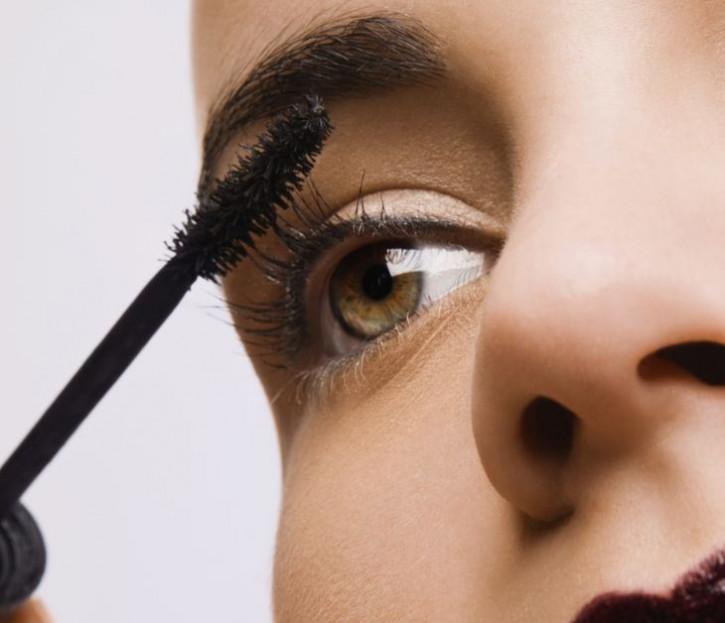 Promotion: Mascara, adapté aux extensions de cils - sans huile