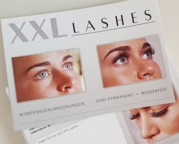 100 dépliants destinés aux salons de beauté«Les extensions de cils XXL Lashes» (A6, papier glacé, 6 pages)