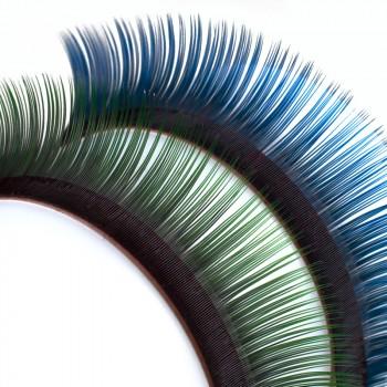 Les cils Mink bi-tons, noir profond à la base des cils, bleu ou vert à leurs extrémités