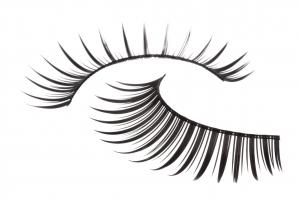 Cils en bandes - le changement cosmétique idéal pour un effet WAOUH !